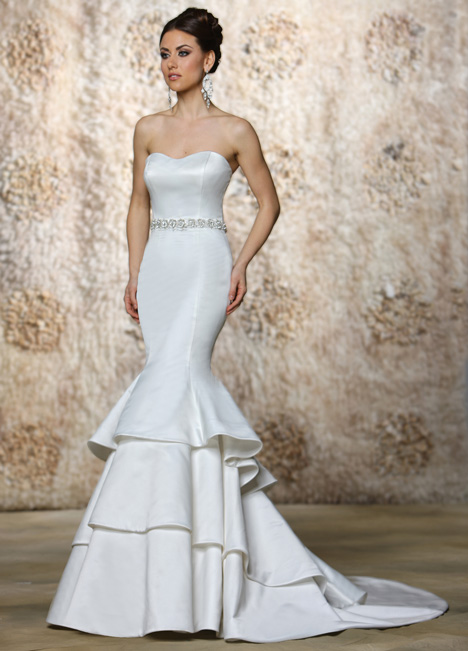 Neve gown from the 2015 Cristiano Lucci collection, as seen on Bride.Canada