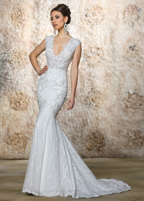 Cameron gown from the 2015 Cristiano Lucci collection, as seen on Bride.Canada