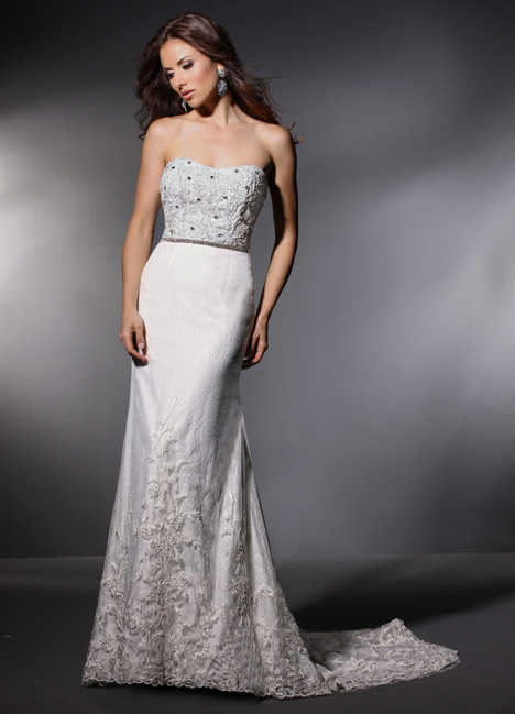 Barbara gown from the 2015 Cristiano Lucci collection, as seen on Bride.Canada