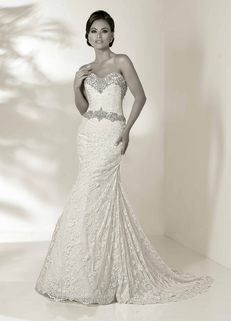 Halle gown from the 2014 Cristiano Lucci collection, as seen on Bride.Canada