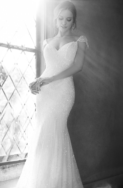 624 gown from the 2015 Martina Liana collection, as seen on Bride.Canada
