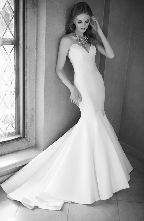 626 gown from the 2015 Martina Liana collection, as seen on Bride.Canada