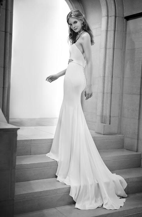 698 gown from the 2015 Martina Liana collection, as seen on Bride.Canada