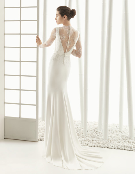 Dac (2) gown from the 2016 Rosa Clara Couture collection, as seen on Bride.Canada