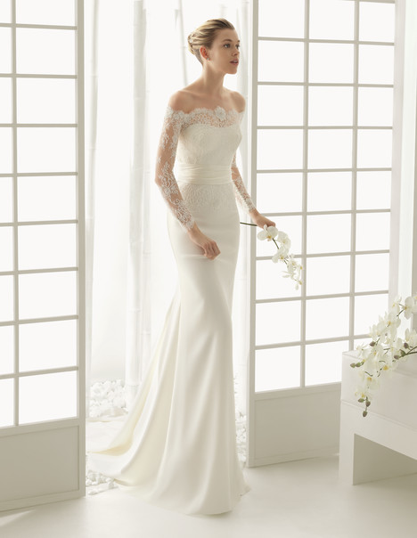 Dado gown from the 2016 Rosa Clara Couture collection, as seen on Bride.Canada