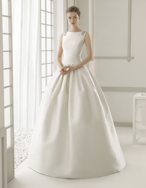 Damasco gown from the 2016 Rosa Clara Couture collection, as seen on Bride.Canada