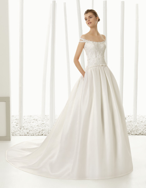 Diana gown from the 2016 Rosa Clara Couture collection, as seen on Bride.Canada