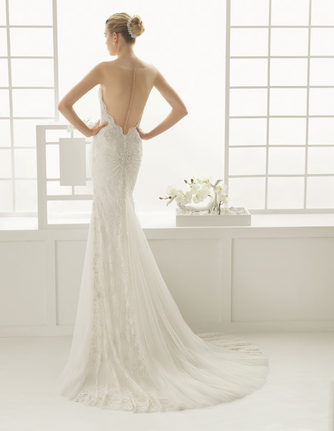 Dymas (2) gown from the 2016 Rosa Clara Couture collection, as seen on Bride.Canada