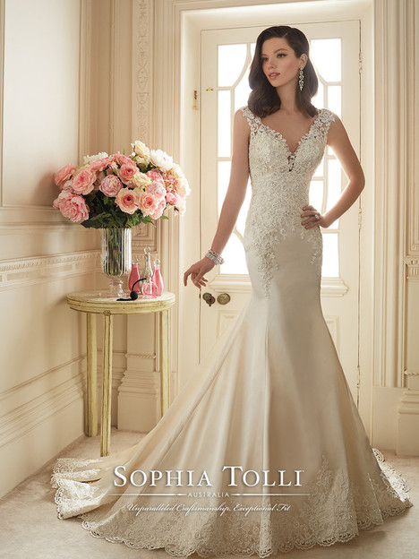 Rexana (Y11629) gown from the 2016 Sophia Tolli collection, as seen on Bride.Canada