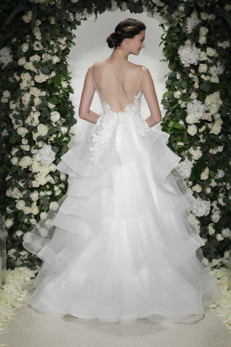 Wellesley (2) gown from the 2016 Anne Barge collection, as seen on Bride.Canada