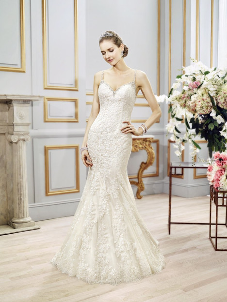 J6401 gown from the 2016 Moonlight : Collection collection, as seen on Bride.Canada