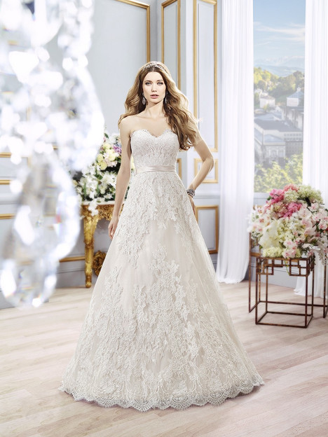 H1296 gown from the 2016 Moonlight : Couture collection, as seen on Bride.Canada