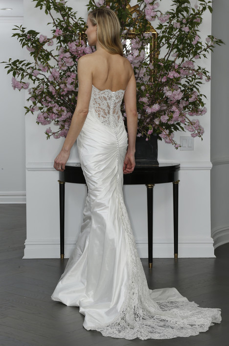 L6107 (2) gown from the 2016 Legends Romona Keveza collection, as seen on Bride.Canada