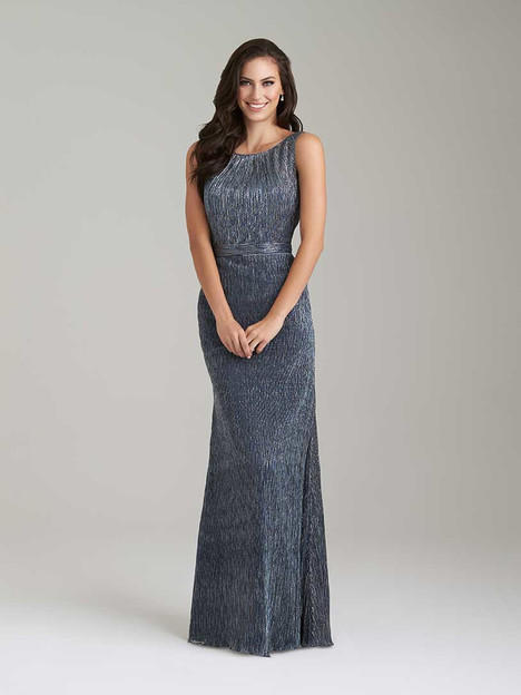 1472 gown from the 2016 Allure Bridesmaids collection, as seen on Bride.Canada