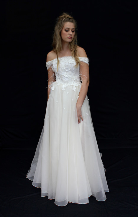 Awake gown from the 2016 Claire La Faye collection, as seen on Bride.Canada