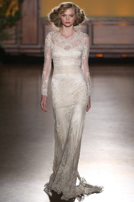 Pearle gown from the 2016 Claire Pettibone: Romantique collection, as seen on Bride.Canada