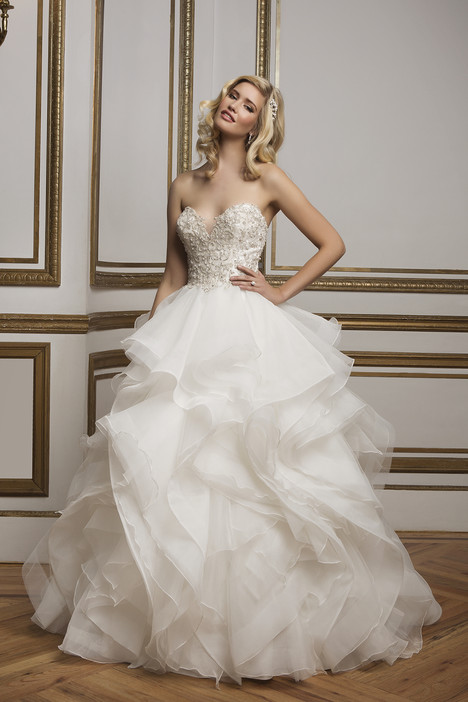8845 gown from the 2016 Justin Alexander collection, as seen on Bride.Canada