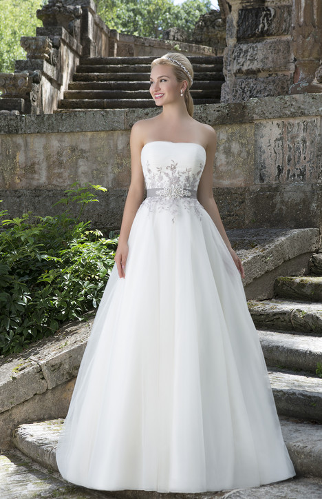 3883 gown from the 2016 Sincerity collection, as seen on Bride.Canada