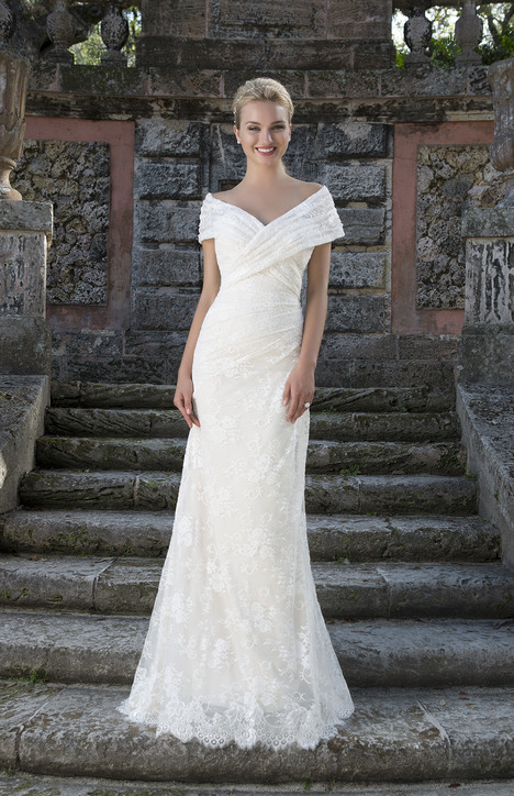 3908 gown from the 2016 Sincerity collection, as seen on Bride.Canada