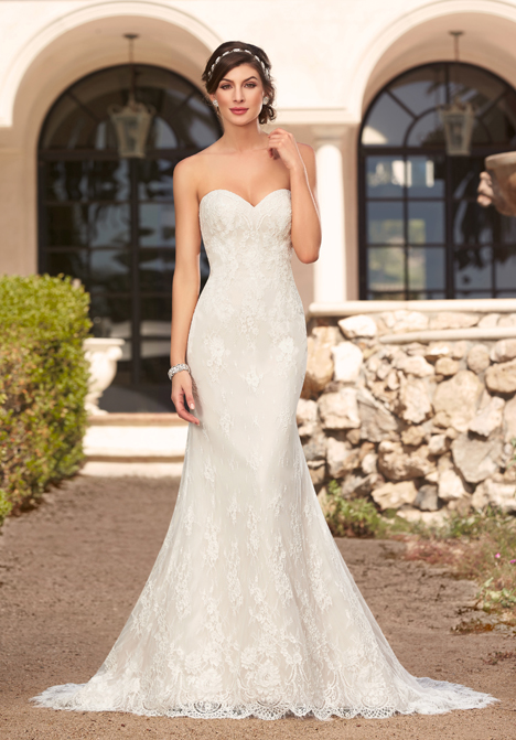 Adeline gown from the 2016 KittyChen collection, as seen on Bride.Canada