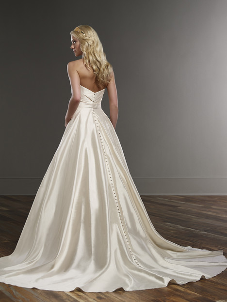 gown from the 2016 Martina Liana collection, as seen on Bride.Canada