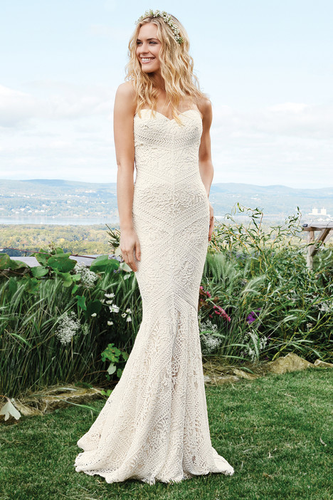 6425 gown from the 2016 Lillian West collection, as seen on Bride.Canada