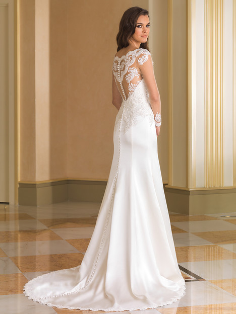 8864 (back) gown from the 2016 Justin Alexander collection, as seen on Bride.Canada