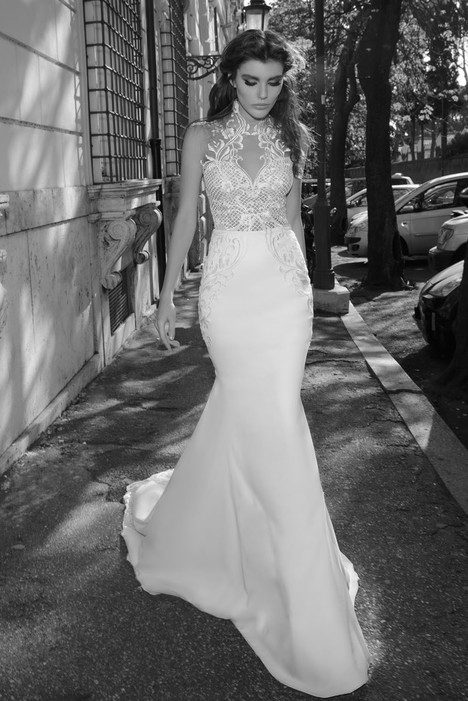 Octavia gown from the 2017 Julie Vino collection, as seen on Bride.Canada