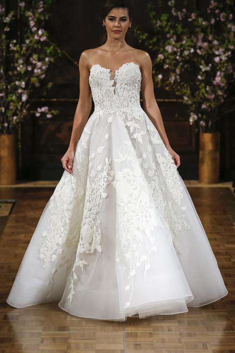 Charlie gown from the 2017 Isabelle Armstrong collection, as seen on Bride.Canada