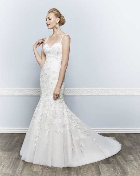 1636 gown from the 2016 Kenneth Winston collection, as seen on Bride.Canada