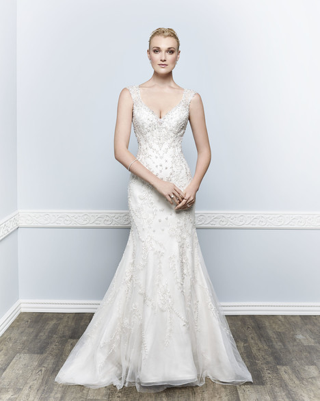 1657 gown from the 2016 Kenneth Winston collection, as seen on Bride.Canada