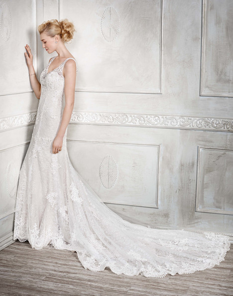 1670 gown from the 2017 Kenneth Winston collection, as seen on Bride.Canada