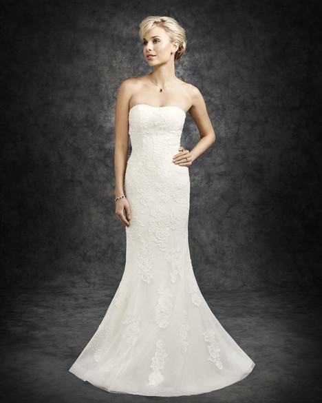 BE302 gown from the 2016 Ella Rosa collection, as seen on Bride.Canada