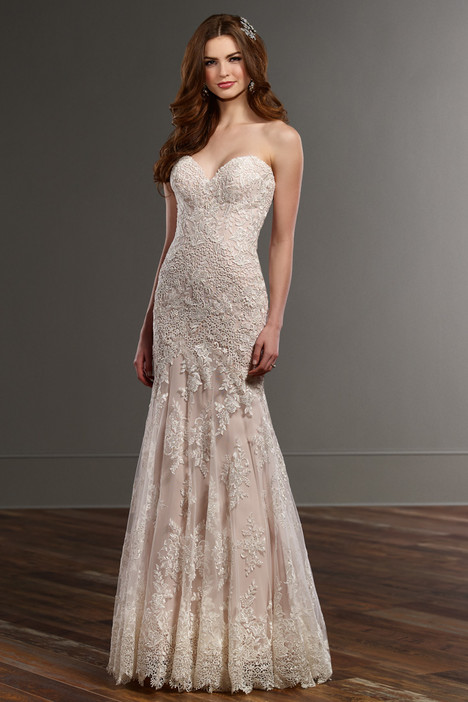 789 gown from the 2016 Martina Liana collection, as seen on Bride.Canada