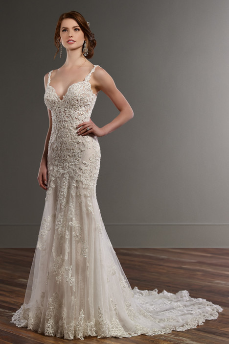 817 gown from the 2016 Martina Liana collection, as seen on Bride.Canada