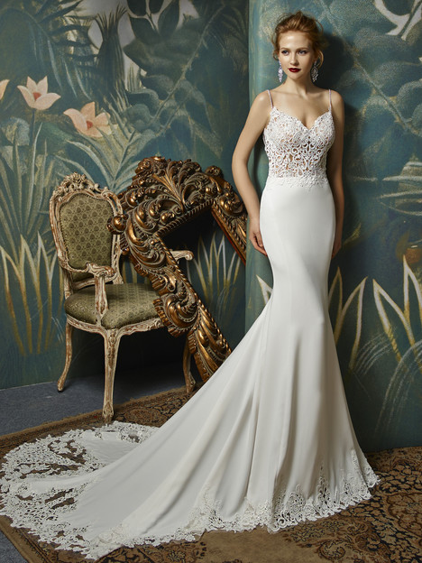 Juri gown from the 2017 Blue by Enzoani collection, as seen on Bride.Canada