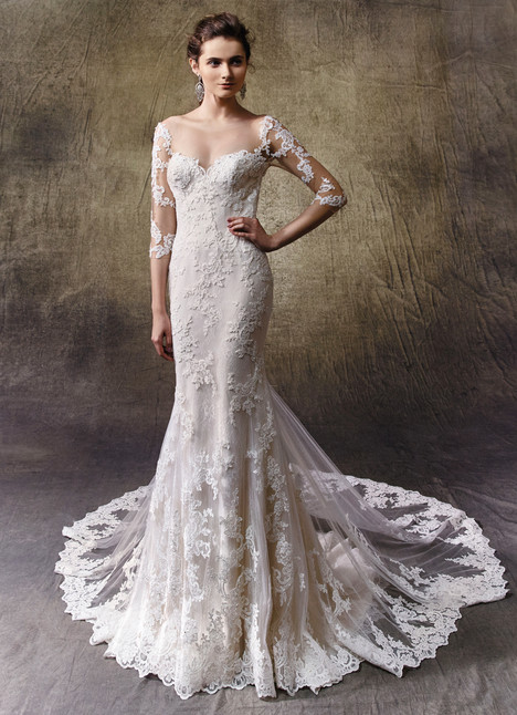 Leah gown from the 2017 Enzoani collection, as seen on Bride.Canada