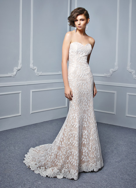 BT17-25 gown from the 2017 Enzoani Beautiful Bridal collection, as seen on Bride.Canada