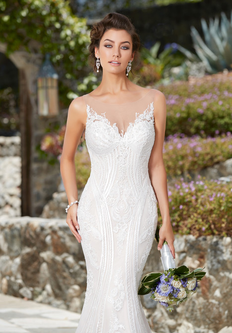 Ivana gown from the 2017 KittyChen collection, as seen on Bride.Canada
