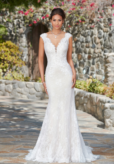 Kali gown from the 2017 KittyChen collection, as seen on Bride.Canada