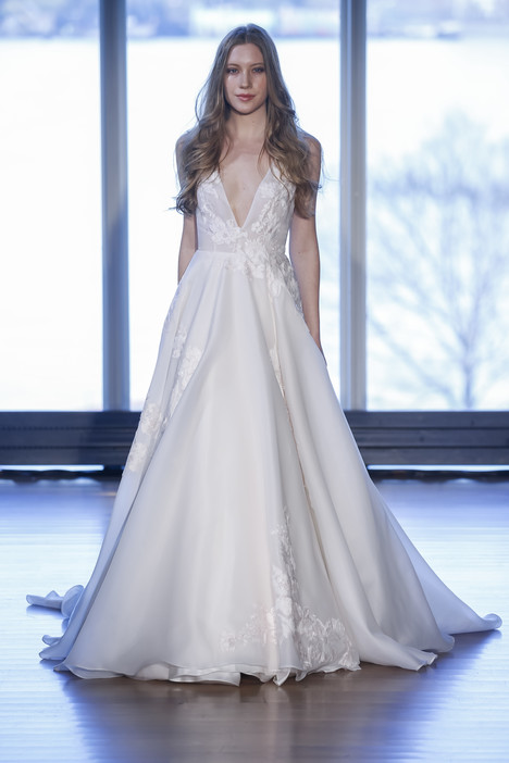Berni gown from the 2017 Alyne collection, as seen on Bride.Canada