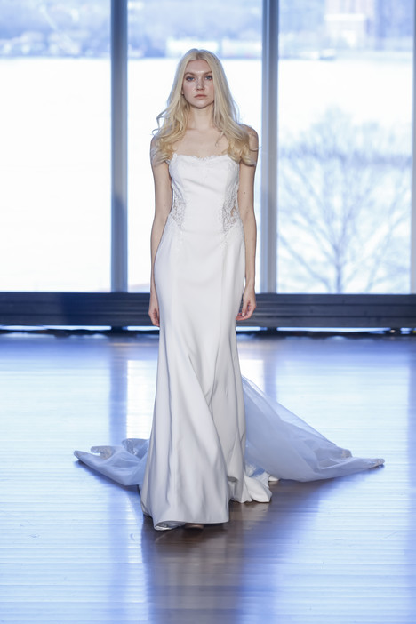 Patty gown from the 2017 Alyne collection, as seen on Bride.Canada