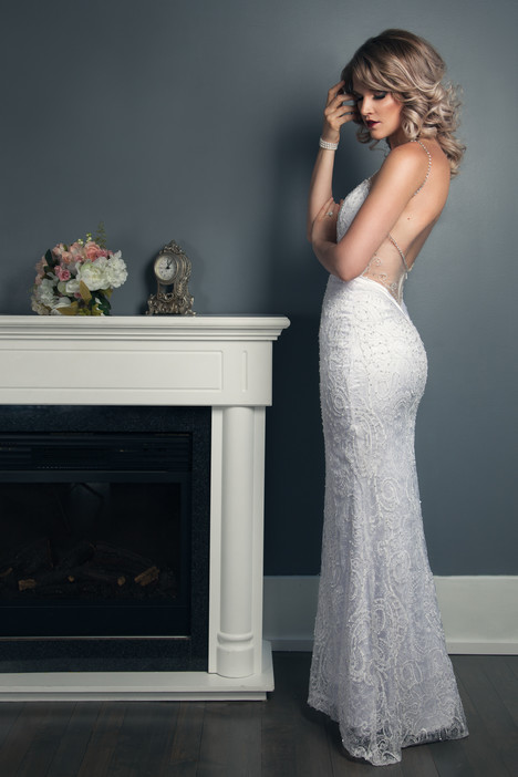 Jessica gown from the 2016 Anna Lang collection, as seen on Bride.Canada