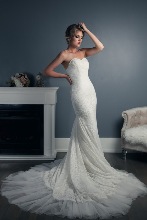 Dana gown from the 2016 Anna Lang collection, as seen on Bride.Canada