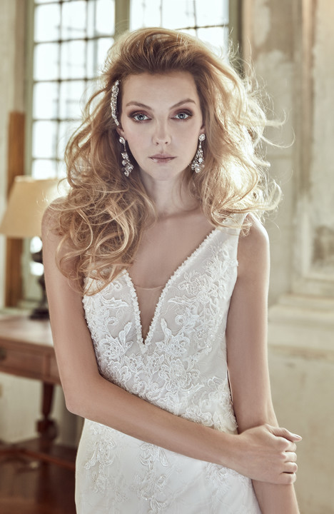 NIAB17102 gown from the 2017 Nicole Spose collection, as seen on Bride.Canada