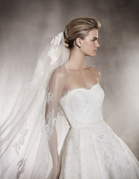 Albasari (2) gown from the 2017 Pronovias collection, as seen on Bride.Canada