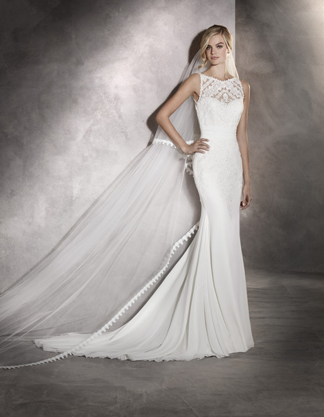 Arlet gown from the 2017 Pronovias collection, as seen on Bride.Canada