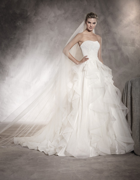 Athenea gown from the 2017 Pronovias collection, as seen on Bride.Canada