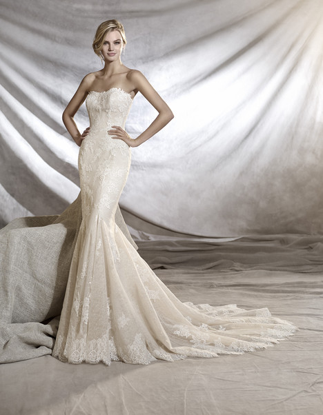 Orinoco gown from the 2017 Pronovias collection, as seen on Bride.Canada