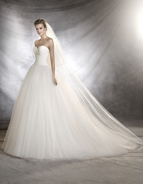 Ozana gown from the 2017 Pronovias collection, as seen on Bride.Canada